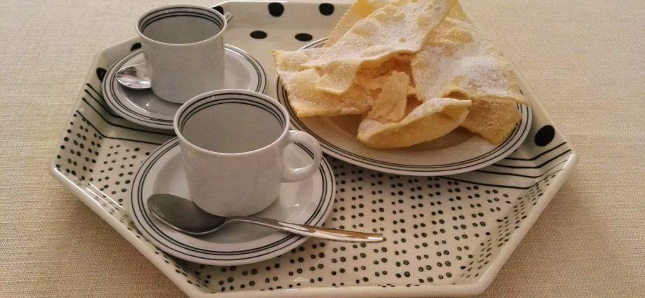 crostoli veneziani dolce veneziano cosa fare in veneto cosa fare a venezia food veneto food venezia mangiare in veneto mangiare a venezia carnevale di venezia eleonora garzia crostoli frittelle frittole zeppole tradizione veneta cibo veneto cooking lele penna al dente