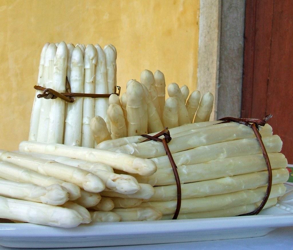 frittata di asparagi bianchi bassano asparago dop bassano del grappa vicenza notizie cosa fare a vicenza cosa fare in veneto magazine cucina veneta veneto in cucina ricette venete