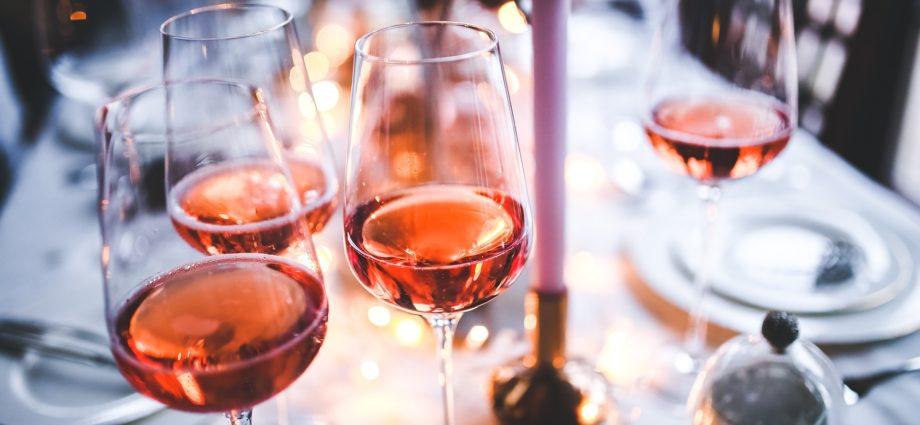 oggirosé vino rosé bere vino in veneto magazine notizie veneto bardolino lago di garda vini cosa bere in veneto eventi estate in veneto ilaria rebecchi cosa fare in veneto